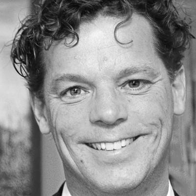 Hans Peter Roel; Auteur van de ontkooiing